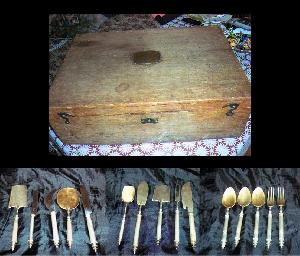 картина Ящик со столовым серебром